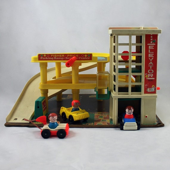 Parking Garage Prices: Fisher Price 1970 Little People Family Action Garage 930