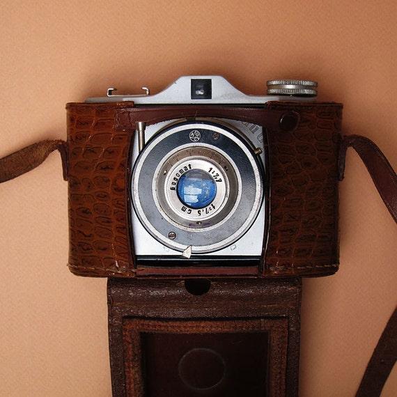 GUGO Vintage Camera - 1959 - 120 Film for Square Photos