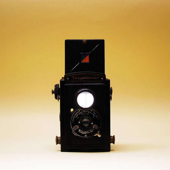 Voigtlander Brilliant Twin Lens Camera -  1935 Vintage - 120  Film Square Format