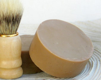 Shaving Soap Bentonite clay, Aloe & Honey - Cold Process Soap based on Greek Olive oil