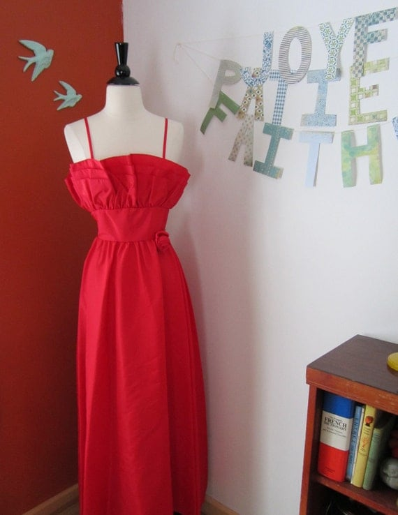 Reserved for Reham :)Red Ruffled Gown NOS (XXS-XS)