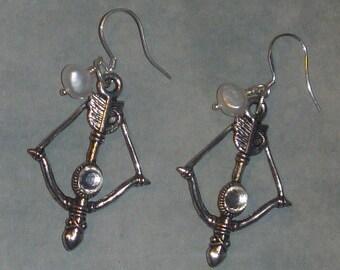 Hunger Games inspired Katniss bow & pearl earrings