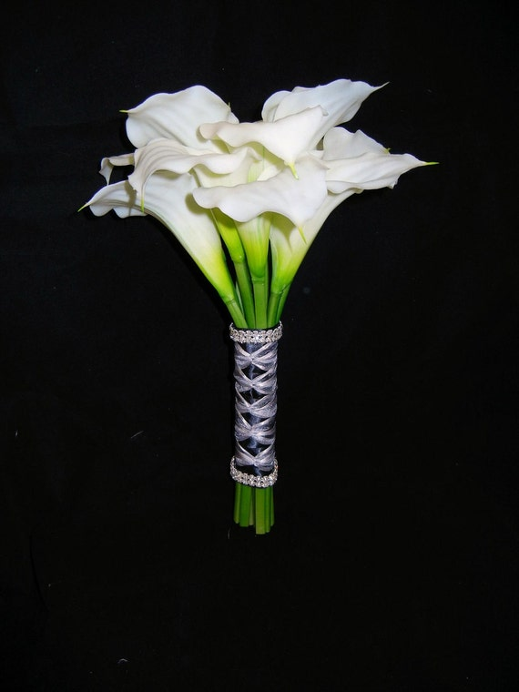 items similar to white real touch calla lily bridal bouquet wedding flowers on etsy. Black Bedroom Furniture Sets. Home Design Ideas