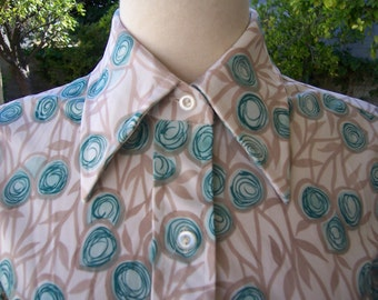 70s polyester short sleeve button front shirt cream with blue abstract spiral flowers - S-M