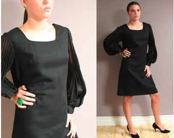 Vintage 60s Mod Shift Dress with Accordian Sleeves with ORIGINAL TAGS