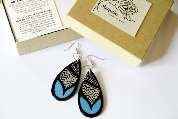 Modern Palestinian Kaffiyah Patterned Teardrop Earrings in Turquoise and Black and Grey