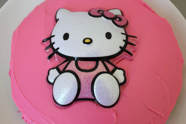 Hello Kitty Cake Decoration