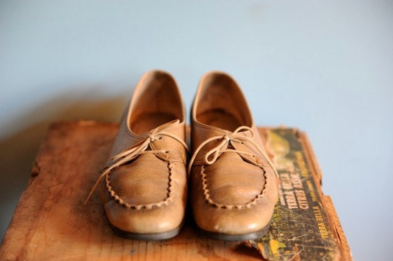 Vintage Taupe Driving Loafers SIze 6