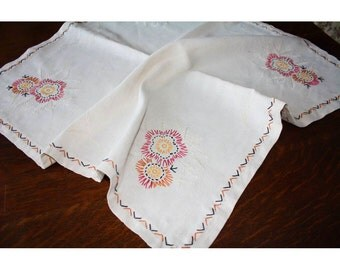Primitive Country Vintage Embroidered Linen Tablecloth
