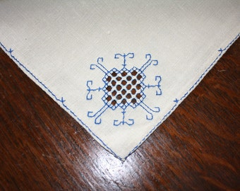 Vintage Linen Napkins Cutwork and Embroidery - 4 - Blue Stitching