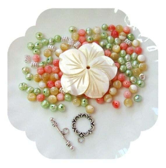 Beads a Plenty, MOP  Flower Pearls Pendant Beads DIY
