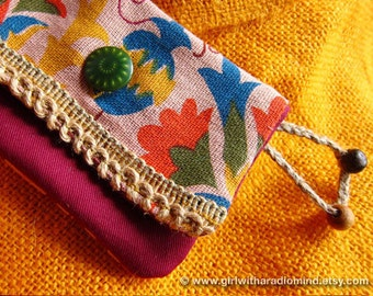 Small Boho Purse in Folk Earthy Pink - Free Spirit Lola Flower Purse with Hemp Trims and Green Psychedelic Button