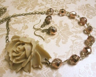 Flower Necklace Beige Necklace Bridesmaid Jewelry Statement Necklace Rustic Wedding Jewelry Bridesmaid Necklace Beige