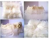 Ring Pillow and Garter Set / Vintage Heirloom Set