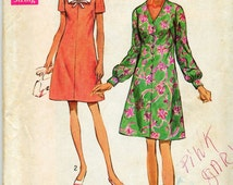Vintage Dresses in Two Styles Sewing Pattern - Simplicity No. 8706 - Size 38