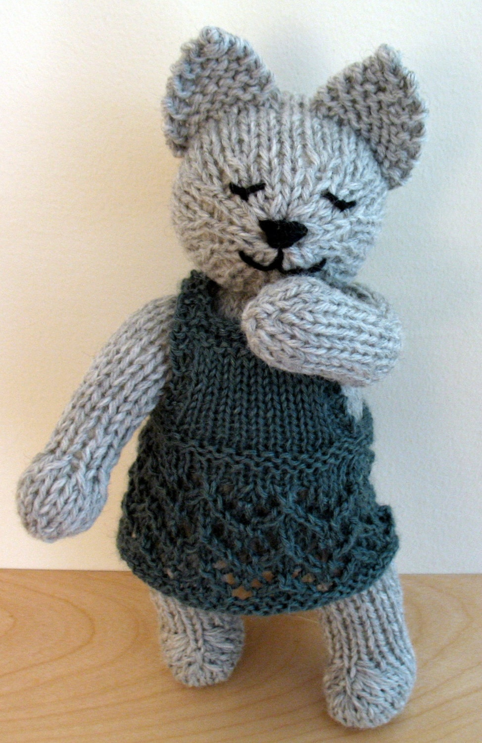 Knitting Patterns For Cat Clothes Or Toys : ClementineHand Knit Wool Cat