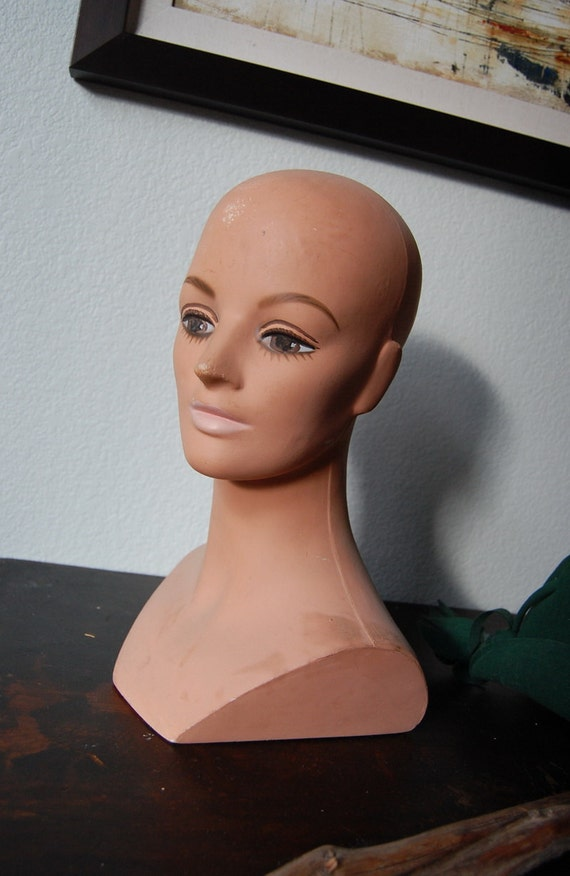 1960s Mannequin Head Display