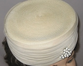 Ladies Vintage Hat, Cream