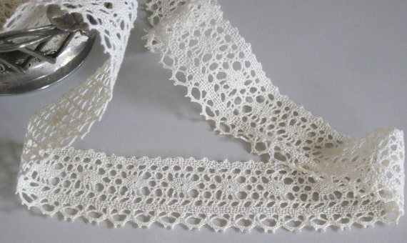 Hand Crocheted Lace Triim Natural Color One Yard