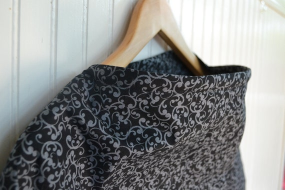 Nursing Cover - Sleek Black and Gray Scroll