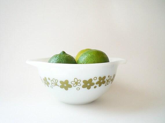 Vintage Pyrex Bowl Crazy Daisy Avocado Green
