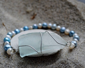 Seaglass Pearl Bracelet - Blue Seaglass on  Stretch Bracelet of Blue and White Pearls