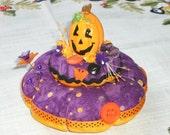 SALE  Pincushion Sewing Pin Keep HALLOWEEN Pumpkin Jack o Lantern Pin Cushion