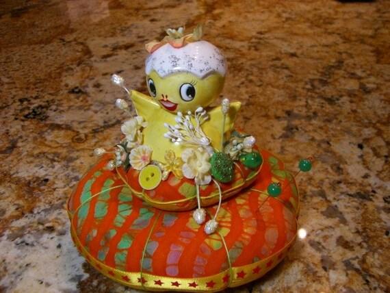 SALE Pincushion Cute Yellow Chick Pin Cushion pin keep
