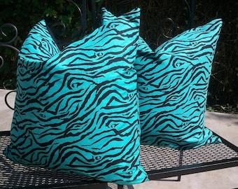 20x20 COVER and PILLOW FORM Decorative Pillow Cover - Set of 2 - Aqua Zebra