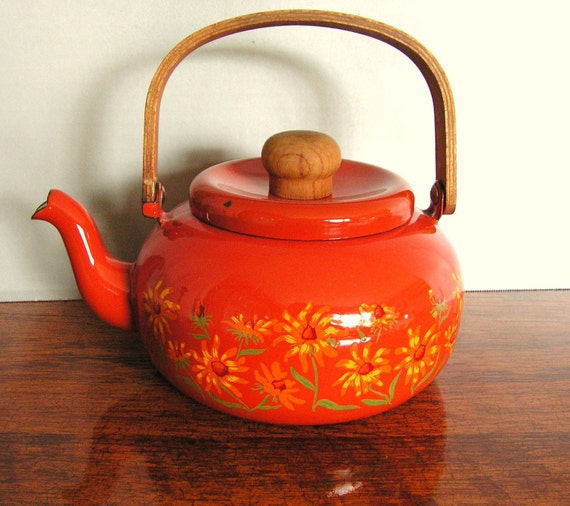 RESERVED: Vintage Enamel Teapot, Orage, retro, daisy flowers, wood handles