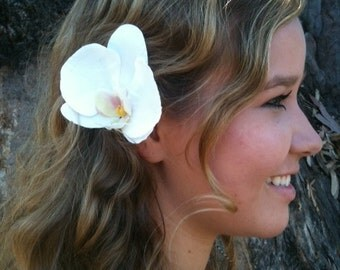 White faux phalaenopsis orchid hair-clip-life like-READY to SHIP-wedding-tropical-bride-hair piece