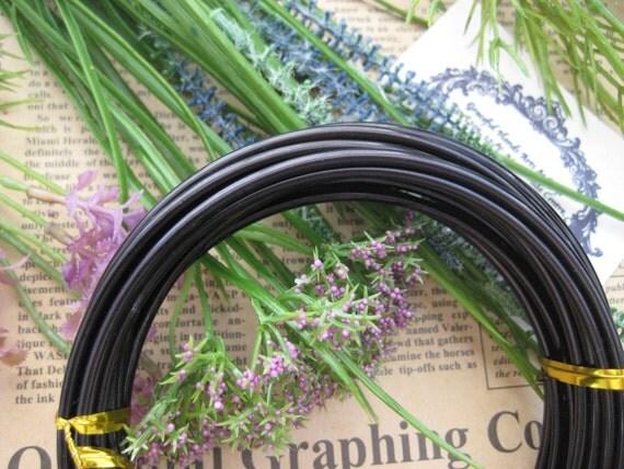 Thickness 8 gauge (3mm) - 16 feet - Artistic Aluminum Craft Wire - Black