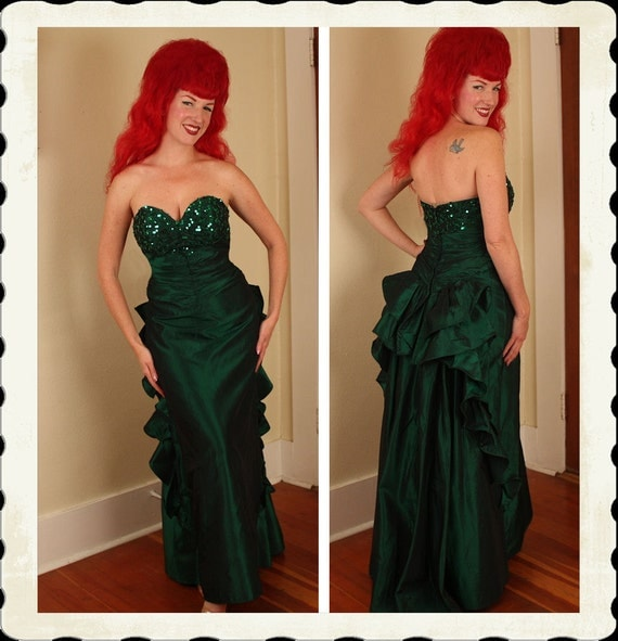 STUNNING 1950's Emerald Green Taffeta Strapless Glamor Gown w/ Sequined Shelf Bust & Ruched Midsection - Waterfall Back - VLV - Size M