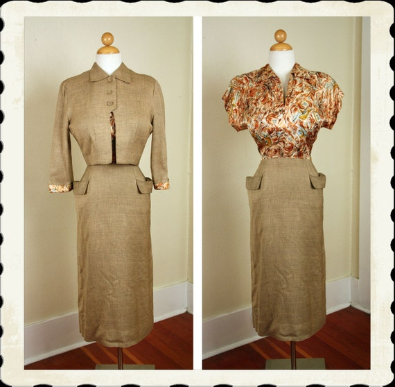 KILLER 1950's Hourglass Linen Blend Cocktail Dress w/ Satin Bodice & Matching Cropped Bolero Jacket - Stand Out Hip Pockets - Size L