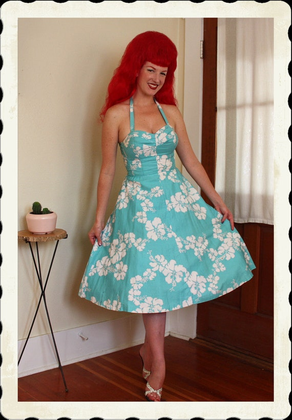 EXOTIC Bombshell 1950's Style New Look Polished Cotton Hawaiian Sun Dress by Sun Fashions Honolulu Hawaii - 3 Way Straps - VLV - Size S to M