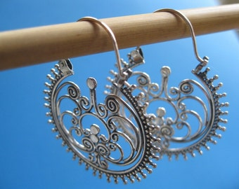 Filigree Dangle earrings, Sterling Silver hoops. Free shipping in the US, gift box included!
