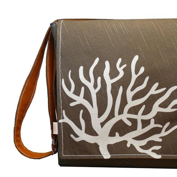 "15"" Laptop Messenger Bag -  Brown Print Bag"