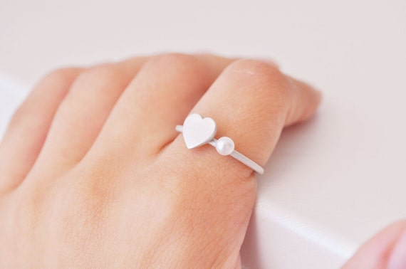sterling silver heart ring with a pearl - FREE SHIPPING