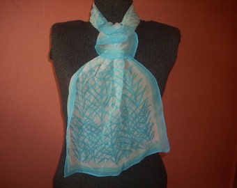 Vera Raw Silk Oblong Scarf  White and Turquoise Abstract Leaf Pattern