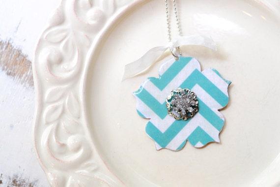Bright Turquoise Blue Chevron Pattern Jewel Metal Flower Necklace