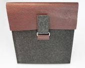 iPad 3 iPad 2 case sleeve cover - 3mm-thick gray wool felt with burgundy leather - Masculine / manly