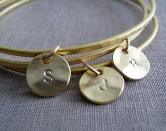 Personalized bangle bracelet, Initial bangle, set of 3 gold bangles, hammered finish, gold initial disc charm, friendship bracelet