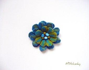 FLOWER felt wool brooch - apple green and turguoise blue, ready to ship