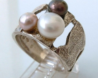 Fresh Water Pearls Texture Silver Ring