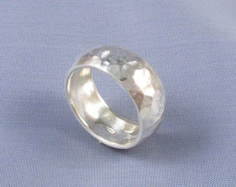"Wide Dome Band Hammered Wedding Silver Ring .  6,5 mm (1/4"") - ElenadE"