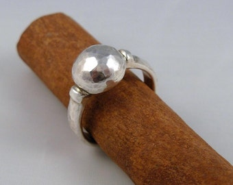 Hammered Small Ball Silver Ring - ElenadE