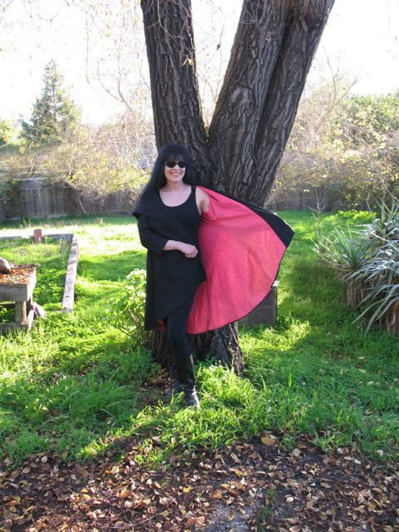 Vintage MINT 1950s Hot Blooded Pink and Black Lilli Diamond Vampire Swing Coat