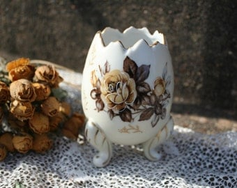 Napcoware Vintage Porcelain Egg Vase Yellow Brown and Gold Detail Cabbage Rose