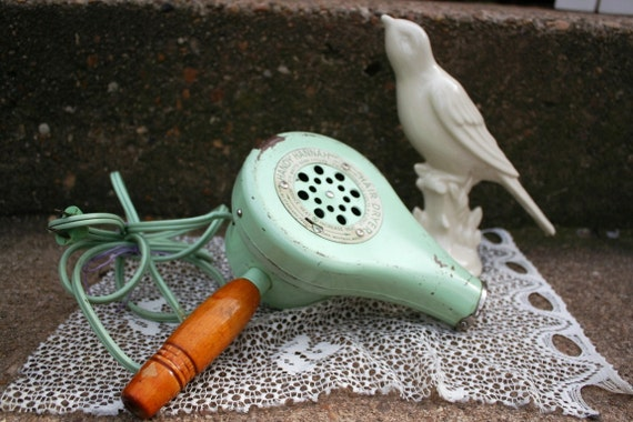 Handy Hannah Standard Products Corp. Hair Dryer Vintage 1940s Mint Green