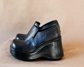 RESERVED for dustandfeathers Vintage 90's Black Leather Platforms Flatforms Goth Club Kid Size 5.5 or 6